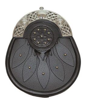 Парадный спорран с декоративными элементами из кожи и металла