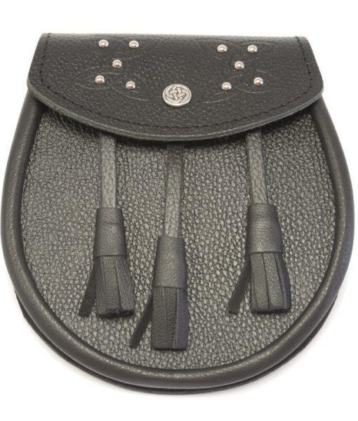Черный кожаный спорран с металлическими заклепками
