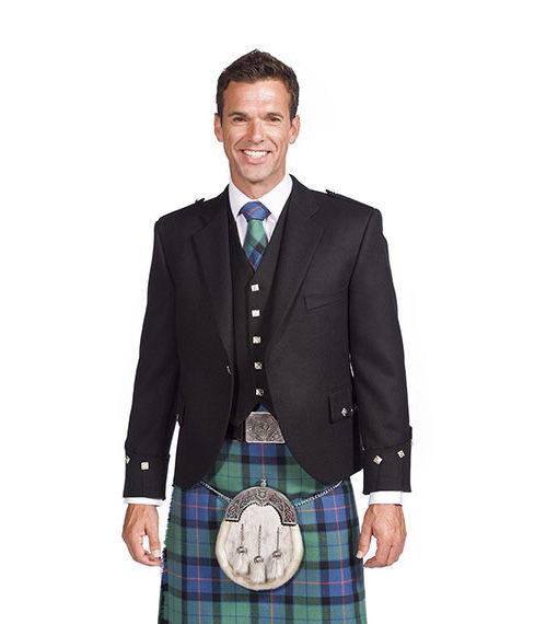 Пиджак Принц Чарли с жилетом на пять пуговиц.
