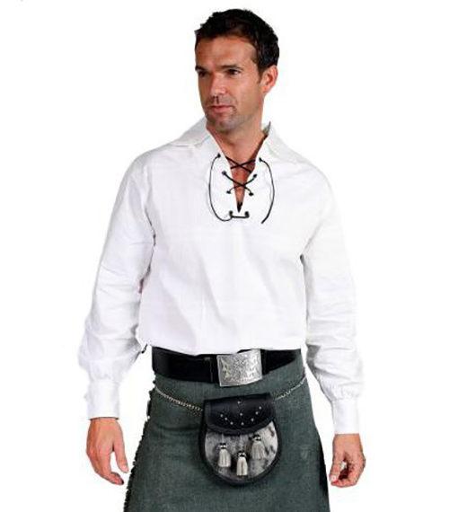 Шотландская рубашка белого цвета от магазина Kilt Shop. Общий вид.