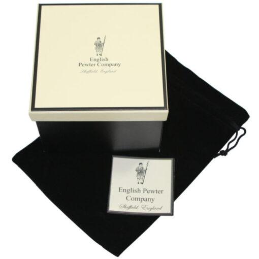 Подарочная коробка, в которой поставляется набор стаканов
