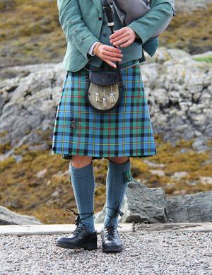 Шотландский волынщик в килте