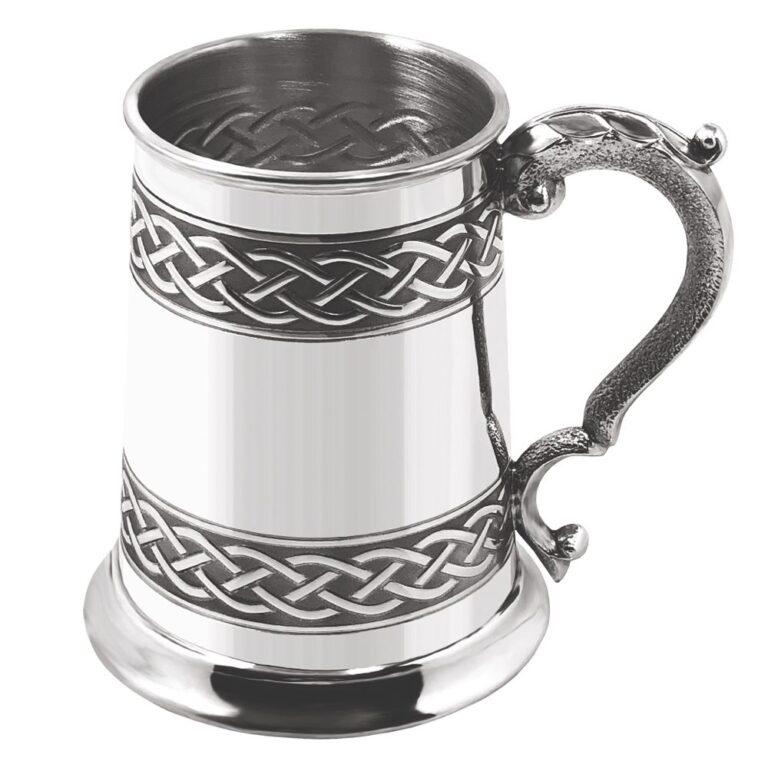 Пивная кружка с кельтской гравировкой CEL621. Фронтальный вид.