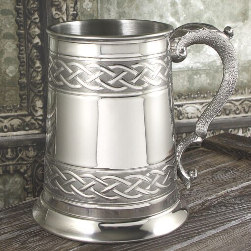 Пивная кружка с кельтской гравировкой CEL621. Экстерьерный вид.